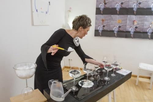 Klara Li experimental waterglasses music