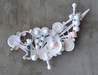 Zusammengefügt, was zusammengehört, Plastik, Klebstoff, Acryl, 2015